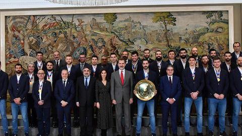 Felipe y Letizia reciben en audiencia a los 'Hispanos', bicampeones de Europa de Balonmano