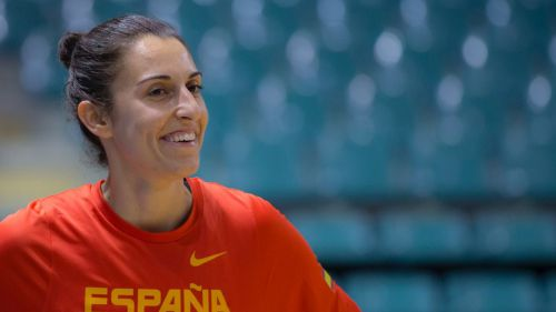 Baloncesto: Alba Torrens ya luce su histórica sexta corona