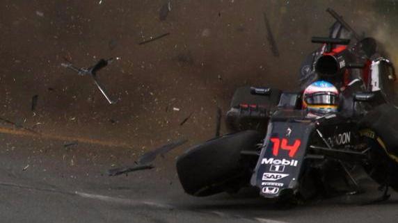 Fernando Alonso se cae de Bahréin