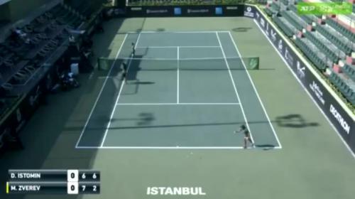 Zverev pide retirarse de un partido de tenis... ¡para jugar otro!